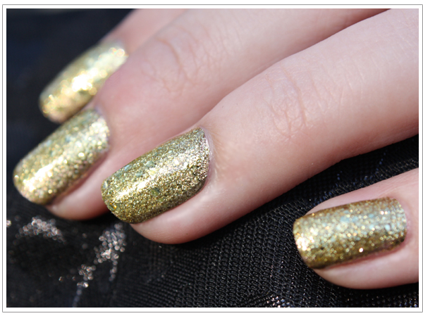 goldGlitterNailsManicure wonderful polish superb shine shiny nail art design shiny effect nails in silver lacquer manicure with ribbon gold metal lacquer glitter effect amazing shade